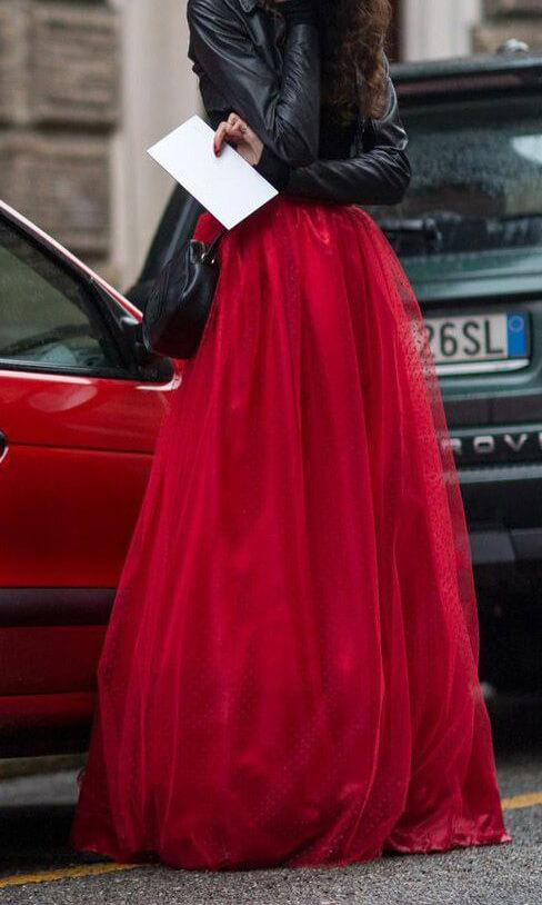 многослойная пышная красная юбка