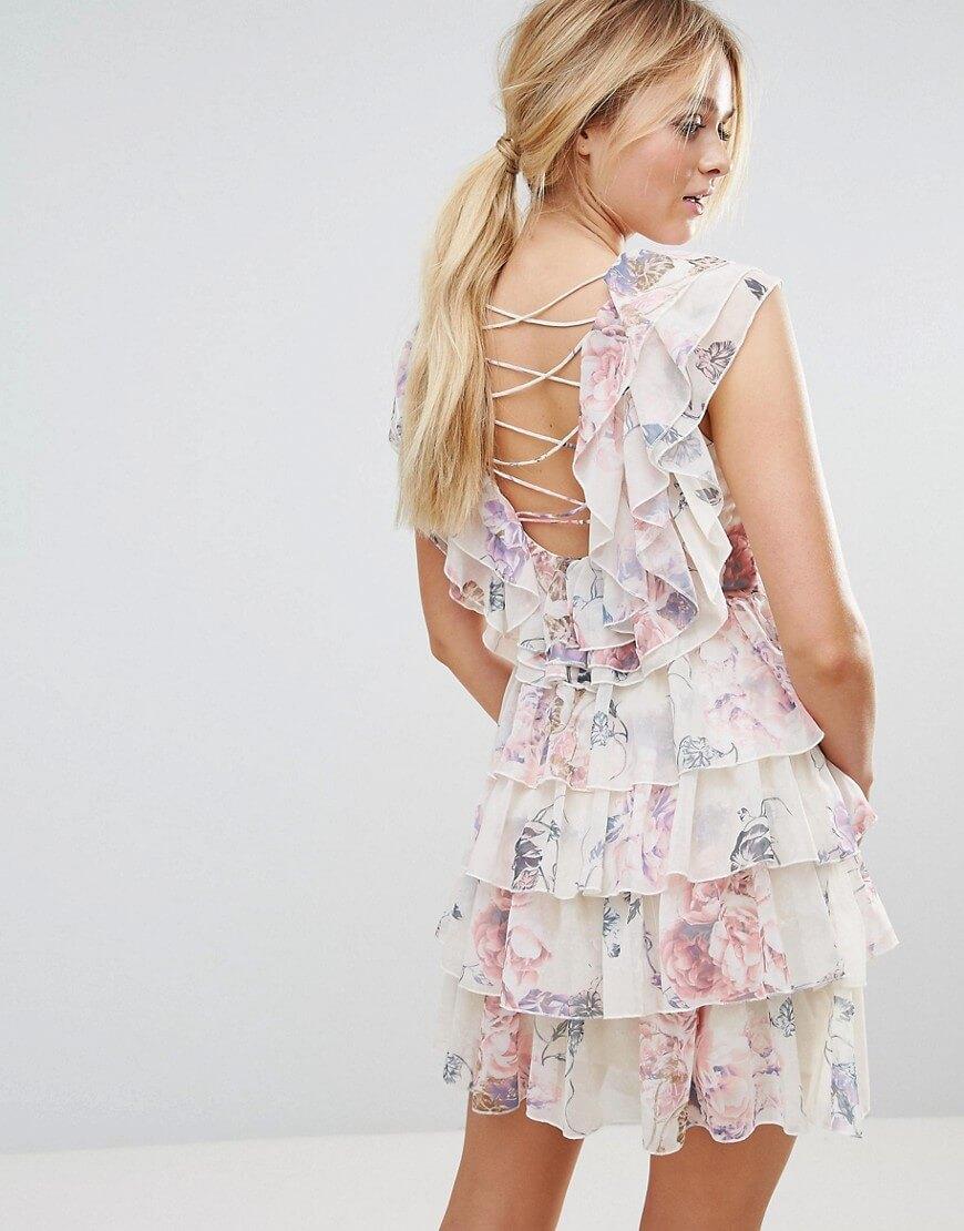 платье с рюшами