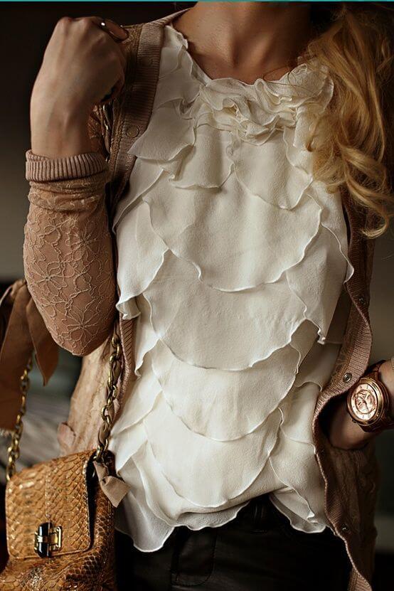 белая блузка в романтическом стиле